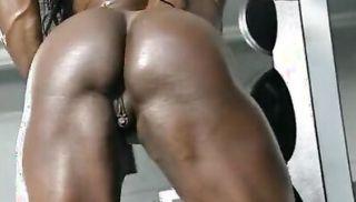 Dayana Cadeau 01 - Female Bodybuilder