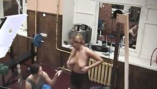 Sexy chicks caught in the gym!