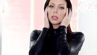 Bigtit stunner Karma Rx dresses in leather and fishnet stockings to sedu...