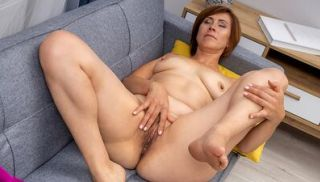 Looking pretty in pink, Eleanor is a hot milf with a lovely body and sho...