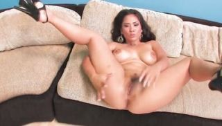 Jessica works her solo magic with her favorite toy and cums