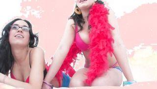 Dildo cam look into a hot lesbian scene