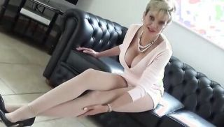 Unfaithful british mature lady sonia presents her huge boobs