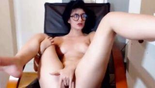 Lovely Teen masturbating on Webcam live